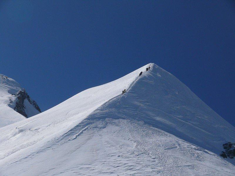 A4_climb_8_.jpg